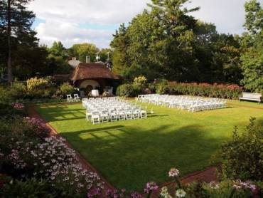 When is the Best Time to Book a Wedding Venue?