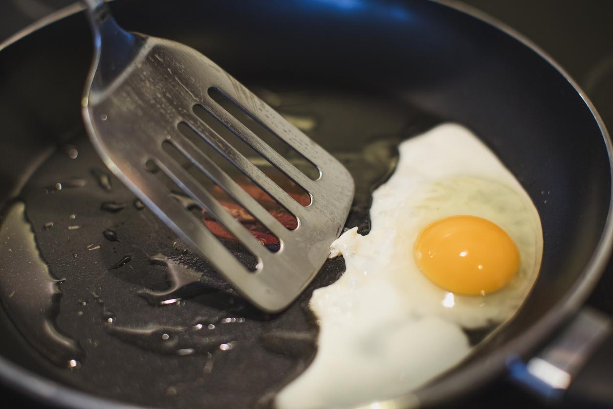 Can I Use Metal Utensils In A Frying Pan?
